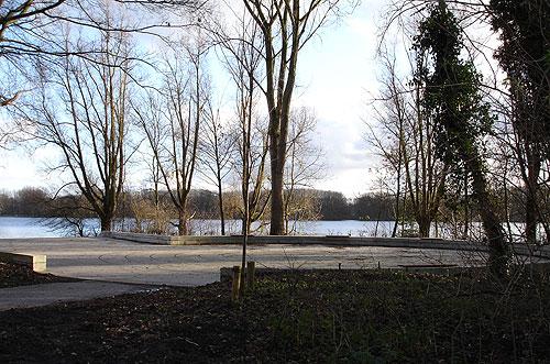 Het Labyrint Sloterpark ligt prachtig aan de Sloterplas
