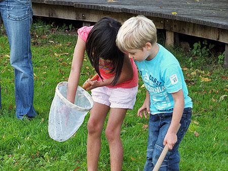 O.a. waterbeestjes vangen in natuurspeeltuin De Natureluur - superleuke zaterdagmiddagen