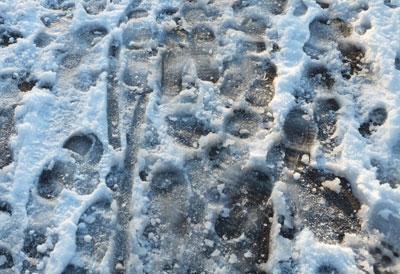 Wanneer sneeuw in ijs veranderd... Oppassen geblazen!