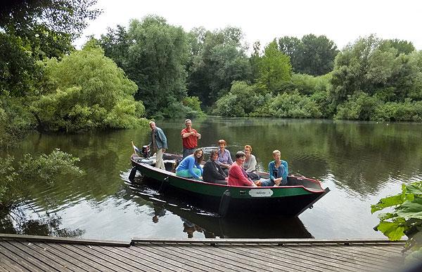 De vaargroep van het Van Eesterenmuseum bij de Heemtuin en het Ruige Riet - Sloterpark